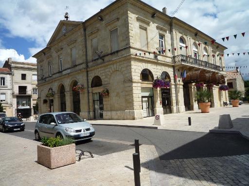 Photos touristiques miramont de guyenne bastide du 13 me for Piscine miramont de guyenne