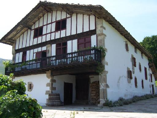 photos touristiques sarre maison basque de 1660. Black Bedroom Furniture Sets. Home Design Ideas